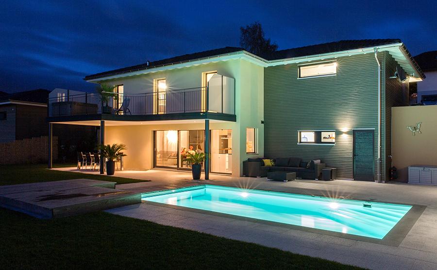 Einfamilienhaus in der Nacht